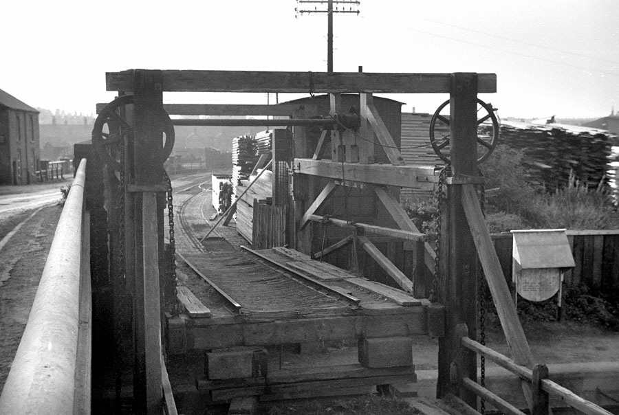 Robert Stephenson design lifting bridge over Grand Union Canal, West Bridge, Leicester and Swannington Railway.